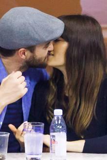 2. September 2017  Tennis wird hier zur Nebensache: Auf der Zuschauertribüne sieht man Justin und Jessica sehr oft küssend.