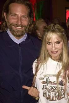 Bradley Cooper, Elizabeth Kemp