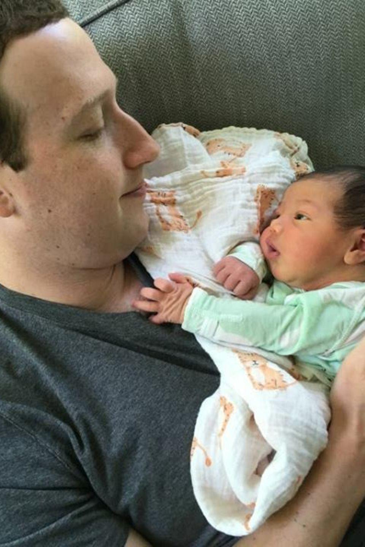 3. September 2017  Knuddelzeit mit seinem Baby ist das Größte: Mark Zuckerberg und Sohn August genießen jede Sekunde.