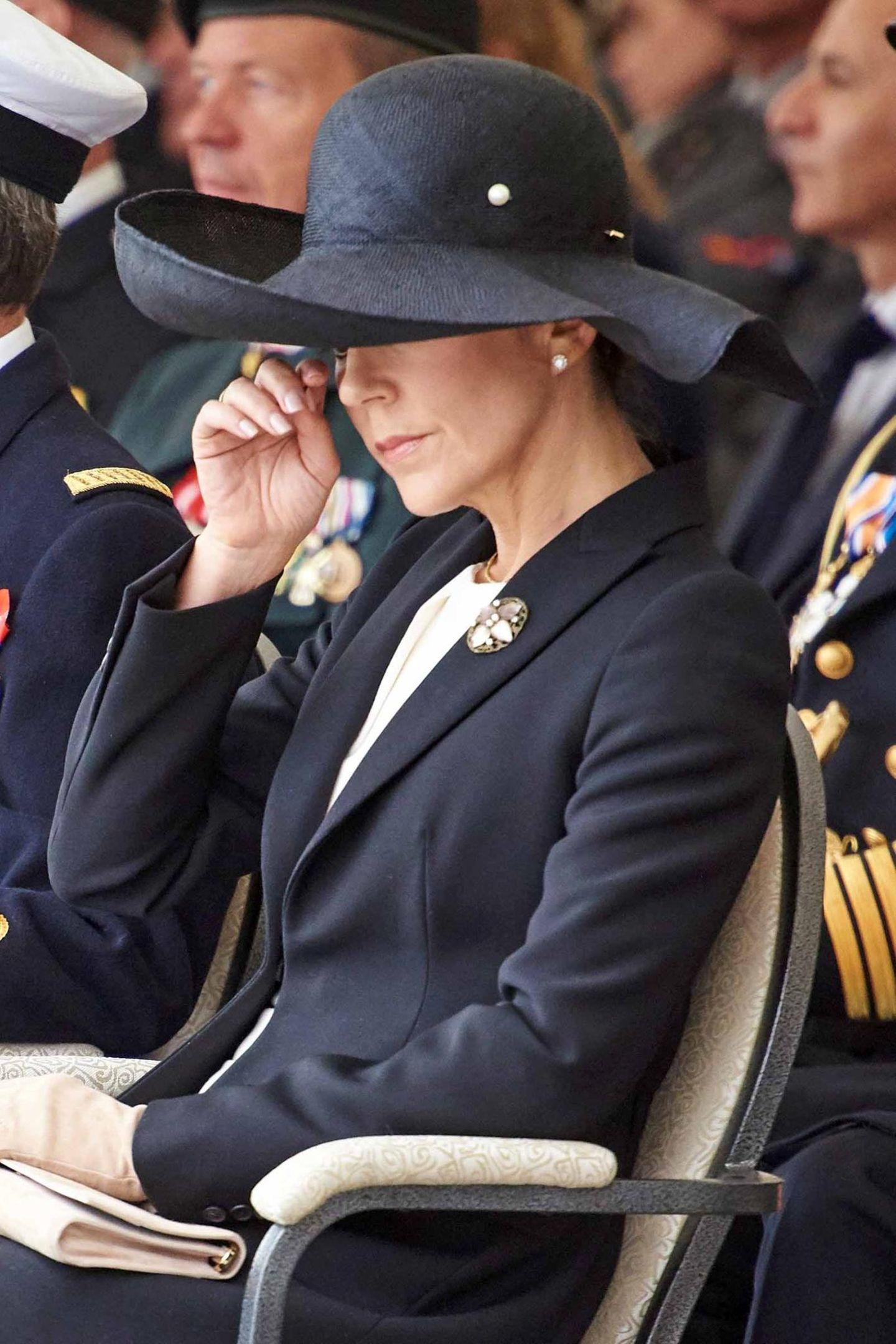 5. September 2017  Prinzessin Mary scheint der Anlass zu rühren.