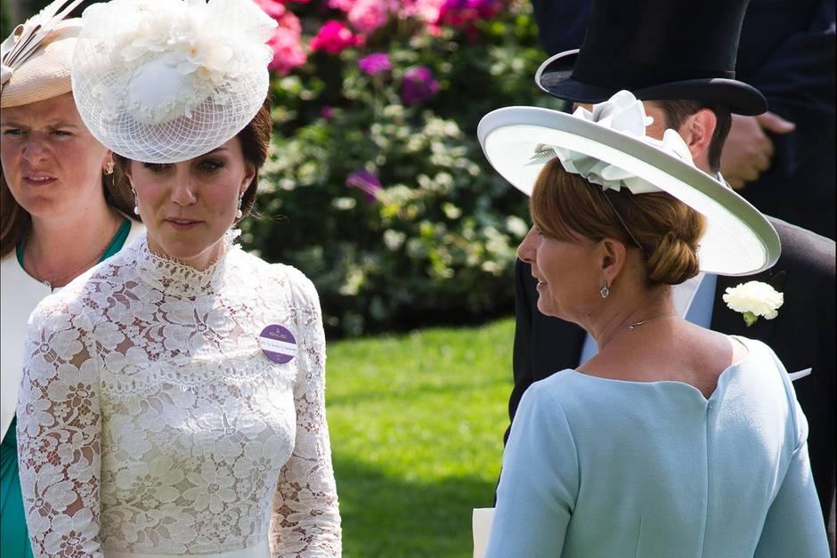 Herzogin Catherine, Carole Middleton