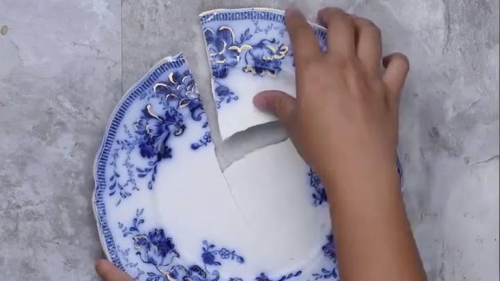 scherbenhaufen so leicht l sst sich zerbrochenes porzellan reparieren. Black Bedroom Furniture Sets. Home Design Ideas