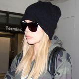 Khloe Kardashian kann sich selbst mit tief ins Gesicht gezogener Mütze und großer Sonnenbrille nicht vor den Paparazzi verstecken.