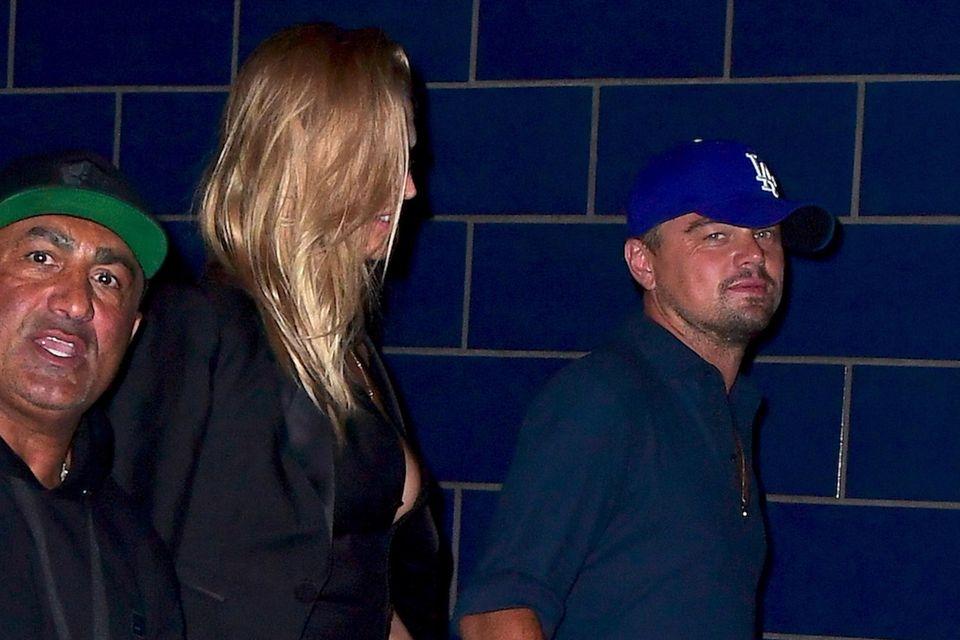 Toni Garrn und Leonardo DiCaprio verlassen gemeinsam einen Nachtclub