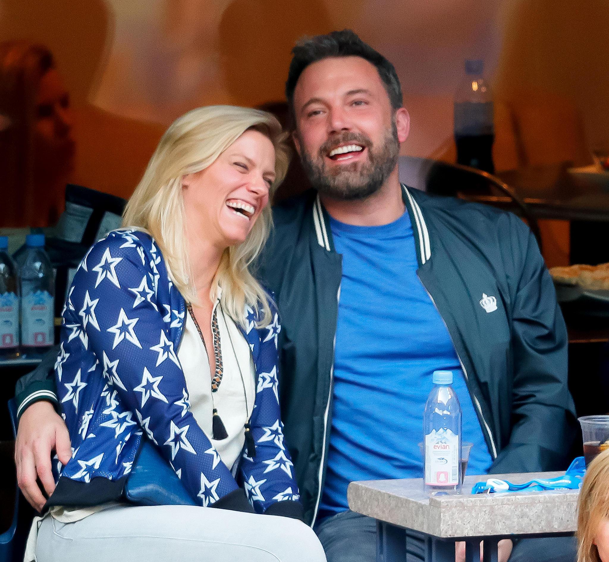 10. September 2017  Das sieht nach jeder Menge Spaß aus: Beim Finale der US-Open zeigen sich Lindsay Shookus und Ben Affleck in ausgelassener Stimmung.