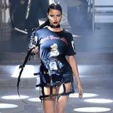 Supermodel Adriana Lima dominiert den Plein-Laufsteg.