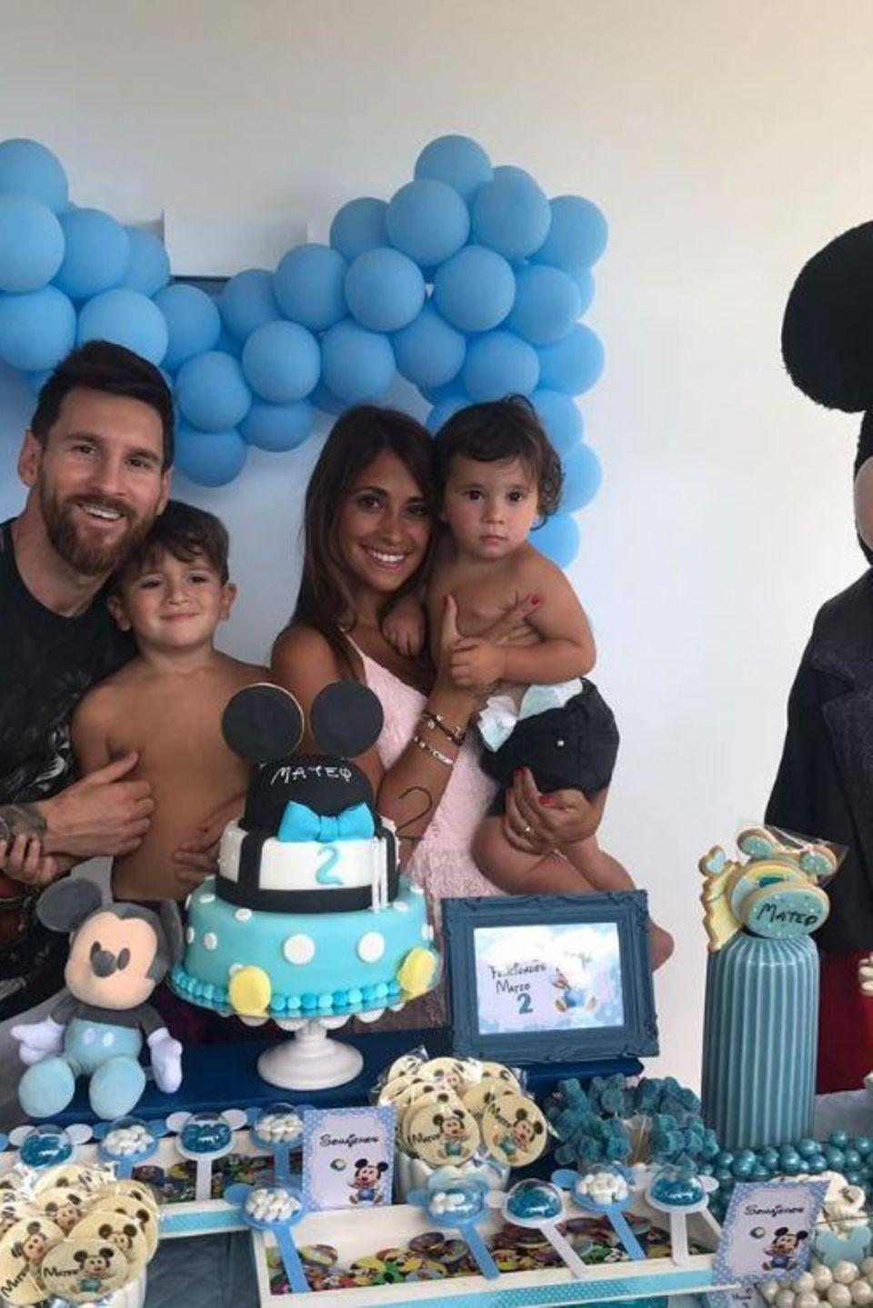11. September 2017  Zum zweiten Geburtstag seines Sohnes Mateo haben sich Lionel Messi und seine Frau Antonella Roccuzzo etwas ganz Besonderes einfallen lassen. Die Geburtstagsfeier findet im niedlichen Disneystil statt.