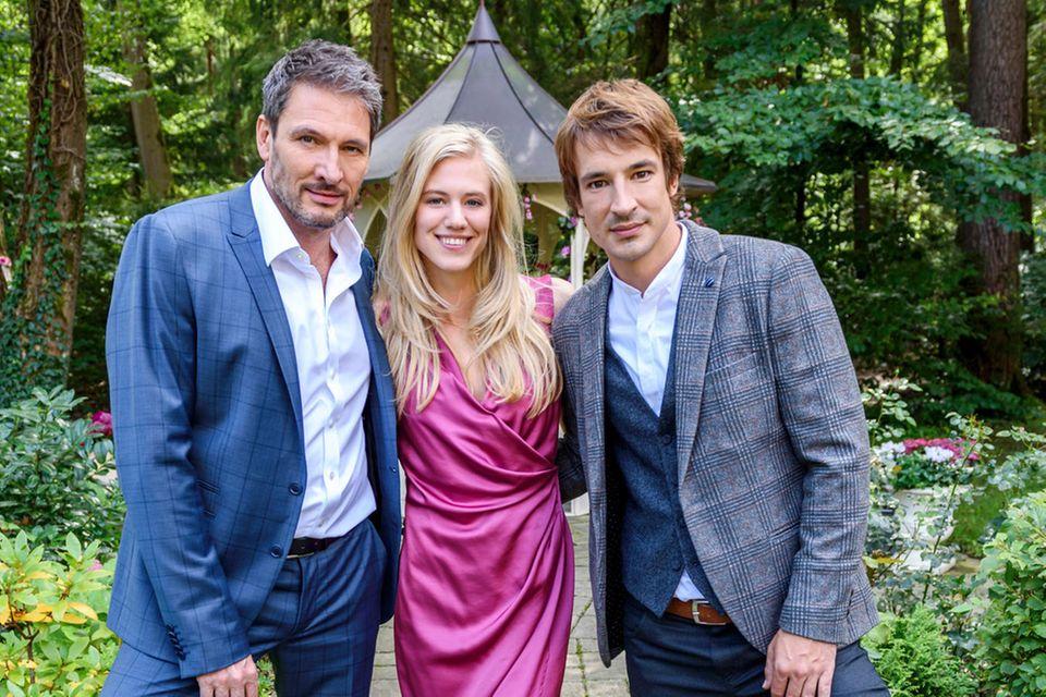 """Das neue """"Sturm der Liebe""""-Dreiergespann der 14. Staffel: Dieter Bach (spielt Christoph Saalfeld), Larissa Marolt (alias Alicia Lindbergh) und Sebastian Fischer (Viktor Saalfeld)"""