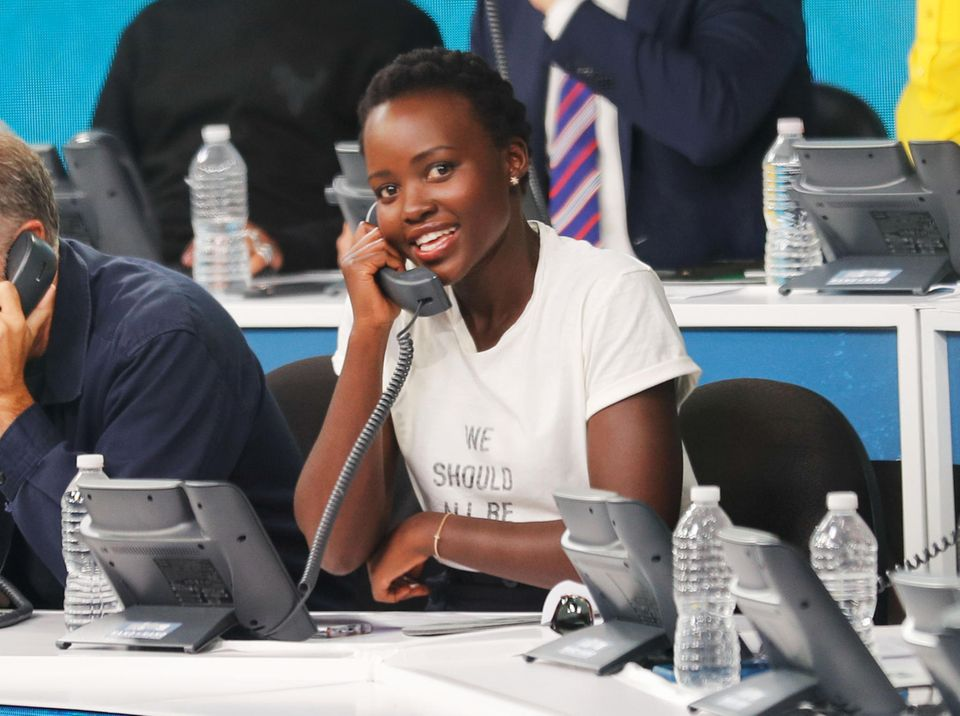 Um den Hurrikan-Opfern zu helfen, nehmen Superstars am Telefon Spenden entgegen: Für Oscarpreisträgerin Lupita Nyong'o Ehrensache.