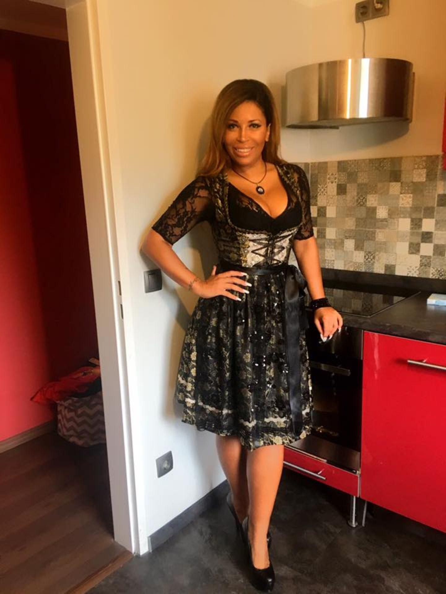 16. September 2017   Bevor es losgeht, gibt Patricia Blanco ihren Fans einen stylishen Vorgeschmack.