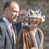 Die Gäste freuen sich über eine weitere Hochzeit im Kreise des deutschen Adels.