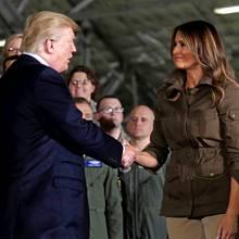 Donald und Melania Trump irritieren am 15. September mit diesem seltsamen Handschlag. Der war aber nicht der einzige Fauxpas...