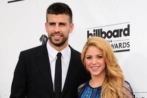 Gerard Piqué + Shakira