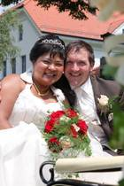 Narumol und Josef bei ihrer ersten Hochzeit am 5. Juli 2010
