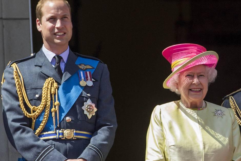 Prinz William + Queen Elizabeth
