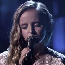 Herzzerreißend: Dieses Mädchen rührt mit ihrem Auftritt alle zu Tränen