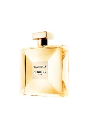 """Mit """"Gabrielle Chanel"""" bringt Chanel einen neuen Duft-Klassiker auf den Markt, der aus vier Blüten eine komplett neue Blume erschaffen hat. Ziemlich dufte wie wir finden! Ab 98 Euro"""