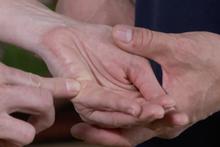 Stressabbau: Drücken Sie diese Punkte ihres Körpers und sehen Sie, was passiert