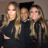 24. September 2017  Heidi Klum besucht Jennifer Lopez bei ihrer Show in Las Vegas und posiert mit ihr für ein Erinnerungsfoto. Darauf sehen sich die zwei Frauen ziemlich ähnlich und man könnte niemals erraten, dass sie beide über 40 Jahre alt sind (Heidi ist 44, J. Lo ist 48). Wow!