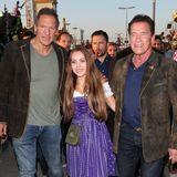 Hollywood ist auf der Wiesn angekommen! Am Dienstagabend ist Arnold Schwarzenegger zusammen mit Freundin Stella Heinlein und Ralf Moeller in Richtung Käferzelt unterwegs.