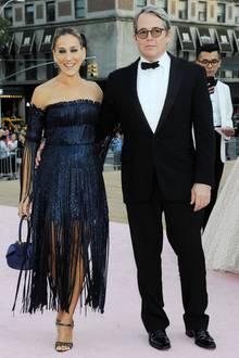 28. September 2017  Nach etwa zehn Monaten(!) erscheinen Sarah Jessica Parker und Matthew Broderick endlich einmal wieder als Paar auf dem roten Teppich. Das letzte Mal hatte man sie auf dem AFI Fest im November 2016 so zusammen gesehen.