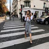 Auch bei der Pariser Fashionweek darf Ann-Kathrin als Model und Influencer nicht fehlen. In einem schicken Outfit von H&M und Gianvito Rossi ist sie auf den Straßen der Stadt der Liebe unterwegs.