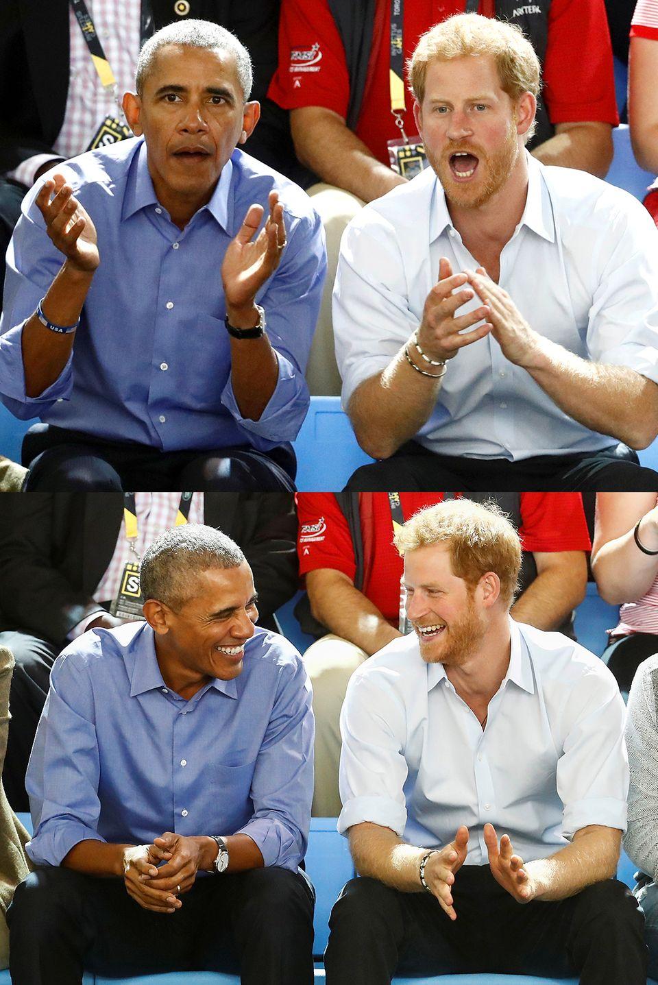 """29. September 2017  In guter Gesellschaft: Barack Obama und Prinz Harry fiebern gemeinsam beimRollstuhlbasketball während der """"Invictus Games"""" in Toronto mit und verstehen sich am Spielfeldrand bestens."""