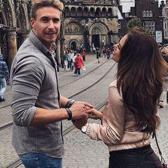 18. August 2017  Verliebt schlendern David Friedrich und seine Jessica durch Bremen.