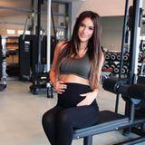 """Hanna Weig, die schöne Verlobte von """"GZSZ""""-Star Jörn Schlönvoigt präsentiert sich auf ihrem Instagram-Profil auch in der 28 Schwangerschaftswoche noch sportlich und postete dieses Foto von sich im Fitnessstudio."""