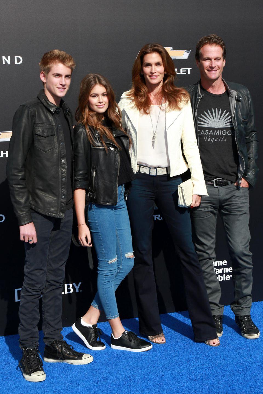 Wo immer Presley, Kaia, Cindy und Rande auf Events auftauchten, verbreiteten sie mit Jeans- und Lederjacken-Looks eine ganz entspannte Stimmung.
