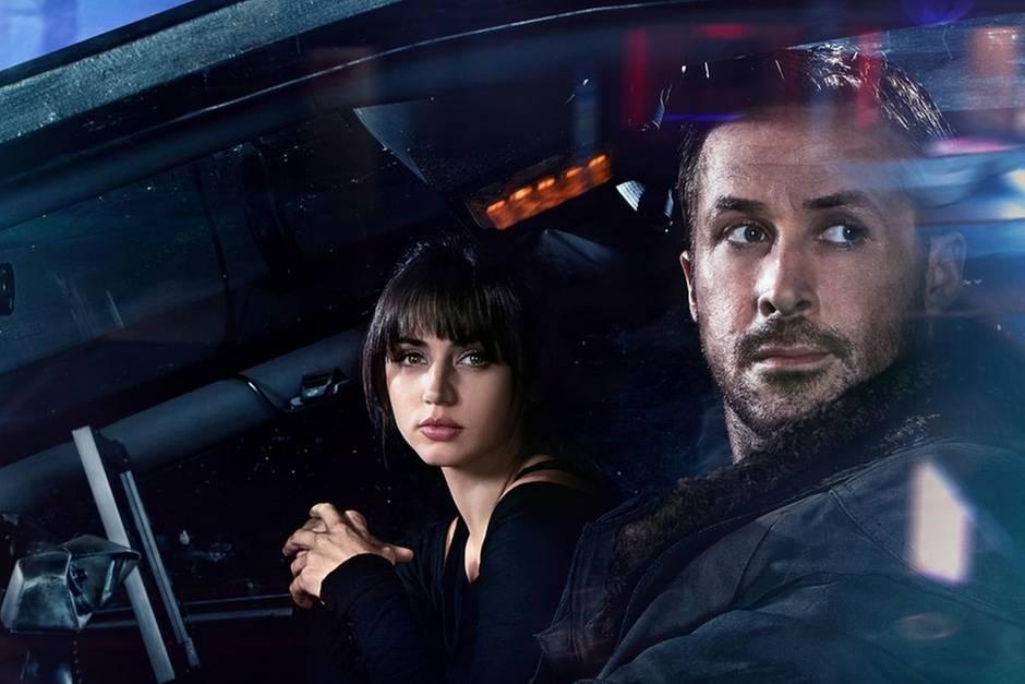 Blade Runner K (Ryan Gosling) und seine Hologramm-Frau (Ana de Armas) haben eine unglaubliche Entdeckung gemacht