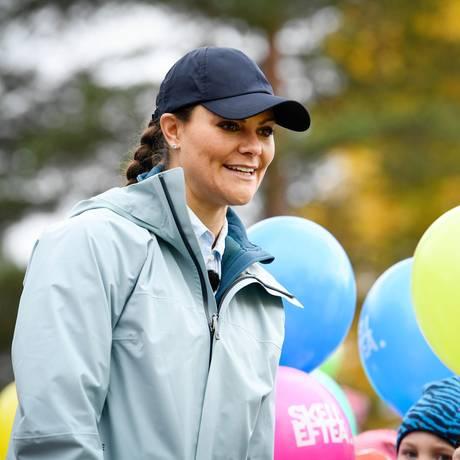 6. Oktober 2017  Kappe statt Krone: Prinzessin Victoria nimmt an einer Wanderung durch die Provinz Västerbotten teil und hat sich dafür ganz casual gekleidet.
