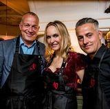 Jörg Janssen (Kai Europe), Anne Meyer-Minnemann und Dirk Ueberbach (G+J) haben sichtlich Freude am Sushi-Workshop.