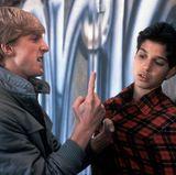 """Willliam Zabka (li.) und Ralph Macchio (r.) wurden dank dem Kinohit """"Karate Kid"""" zu Stars. William Zabka spielte dabei den fiese Schlägertypen Johnny Lawrence, der es auf Macchios Figur """"Daniel LaRusso"""" abgesehen hatte. Besonders Ralph Macchio wurde durch den Film zum absoluten Teeniestar der 1980er-Jahre..."""