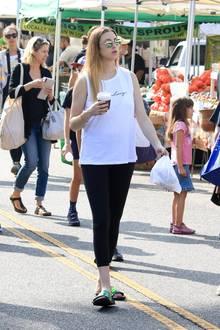 Noch vor einigen Wochen schlenderte Whitney Port mit Babybauch über einen Markt in Los Angeles. Für sie und ihren Mann ist es das erste Kind; Söhnchen Sonny kam am 27. Juli zur Welt. Jetzt zeigte sie sich zum ersten Mal wieder auf einem roten Teppich...