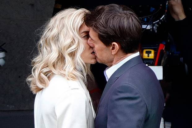 "Vanessa Kirby und Tom Cruise am Set von ""Mission Impossible 6"""