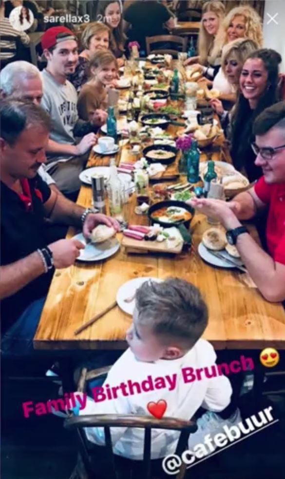 Heinz Engels (links neben Alessio) feiert mit Sarah Geburtstag