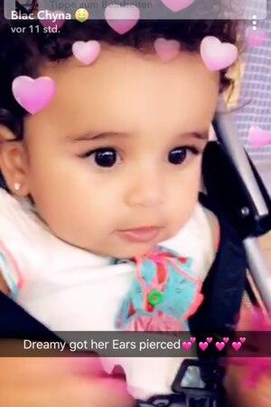 Stolz postet Blac Chyna die funkelnden Diamantohrringe ihrer elf Monate alten Tochter Dream Kardashian.