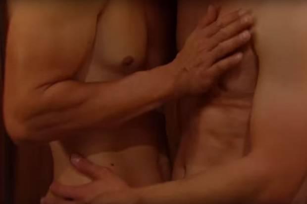 Zwei Männer vergnügen sich miteinander im Fürstenhof
