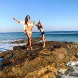 15. Oktober 2017  Das sieht nach sonnigem Spaß aus: Alessandra Ambrosio und Tochter Anja Louise genießen warmes Planschwetter in Malibu.