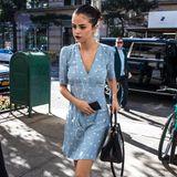 15 Kilo soll Selena Gomez abgenommen haben. Der Unterschied von vor vier Wochen in demselben Kleid ist wirklich deutlich sichtbar. Die schmale Figur der Schauspielerin ist besorgniserregend