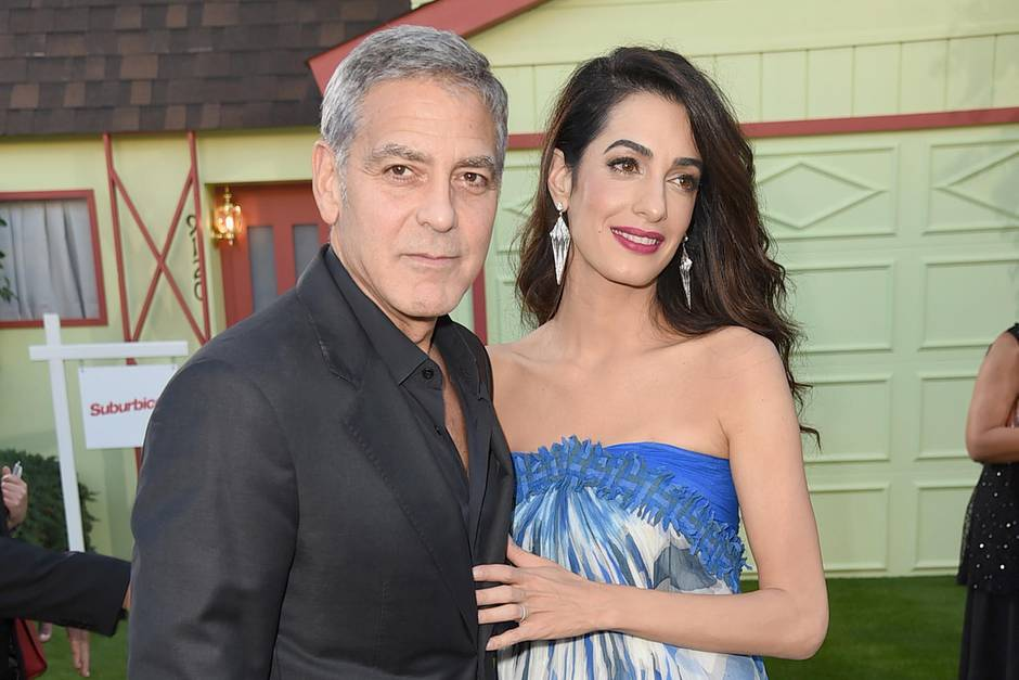 george clooney ehefrau amal clooney wurde sexuell bel stigt. Black Bedroom Furniture Sets. Home Design Ideas