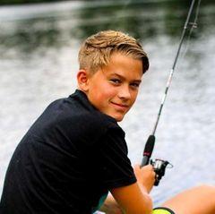 23. Oktober 2017   Zu seinem 14. Geburtstag teilt Mutter Reese Witherspoon ein Foto ihres Herzensbrechers. Aussehenstechnisch hat SohnDeacon Reese Phillippe aber auch wirklich alles Gute seiner Mum und seines Vaters Ryan Phillippe geerbt.