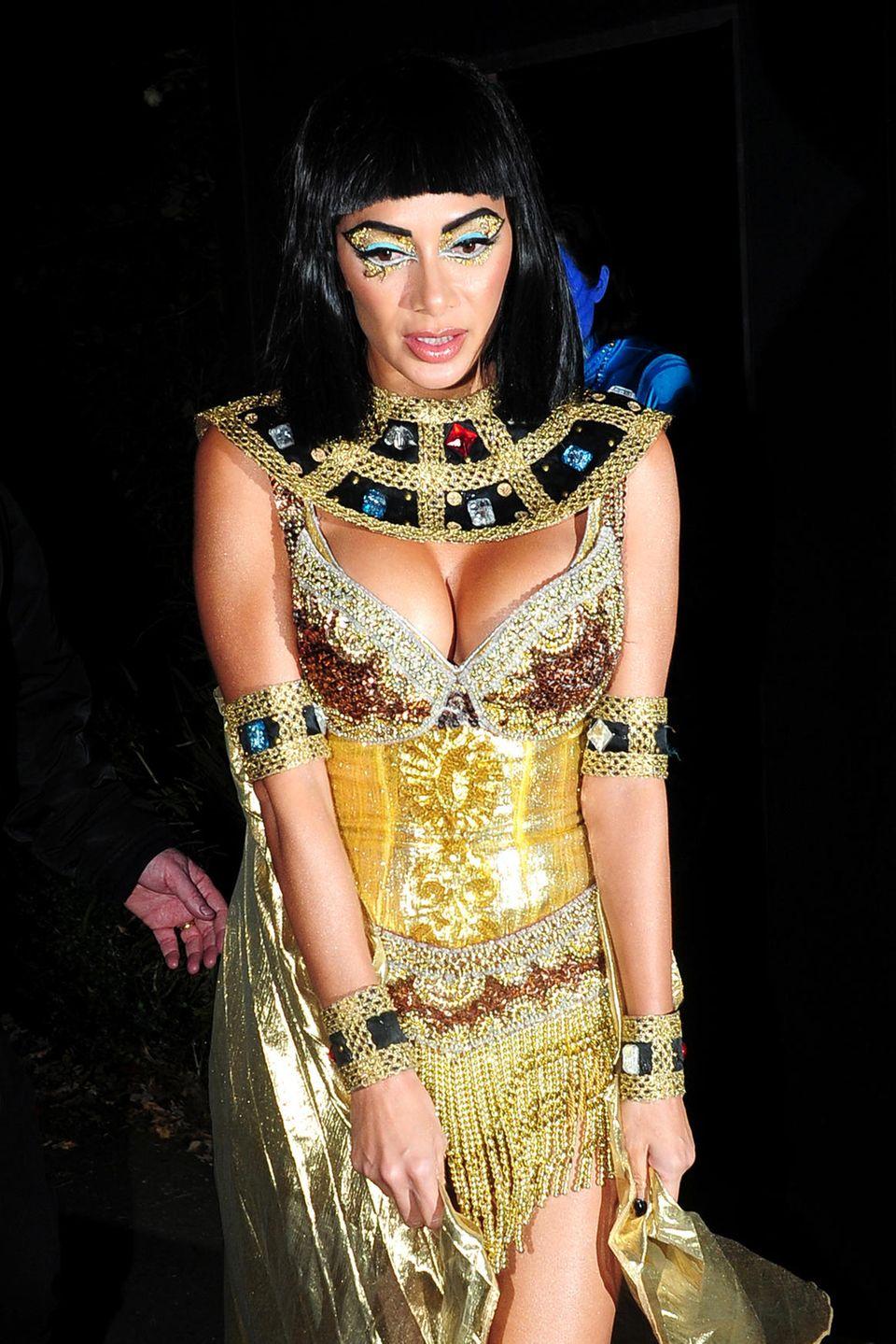 """Nicole Scherzinger besucht als Cleopatra die""""Johnathan Ross Halloween Party"""" in London."""