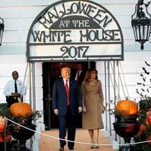 Donald Trump und Melania Trump luden am 30. Oktober zur Halloween-Party vor dem Weißen Haus ein. Dabei trug sich Skurriles zu
