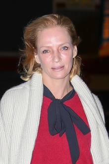 Von ihrem gewohnten Hollywood-Glamour ist auf diesem Foto von Uma Thurman nur wenig zu sehen. Obwohl die Schauspielerin auch mit wenig Make-up ohne Frage toll aussieht, hätte sie auf das mattierende Puder lieber nicht verzichten sollen.