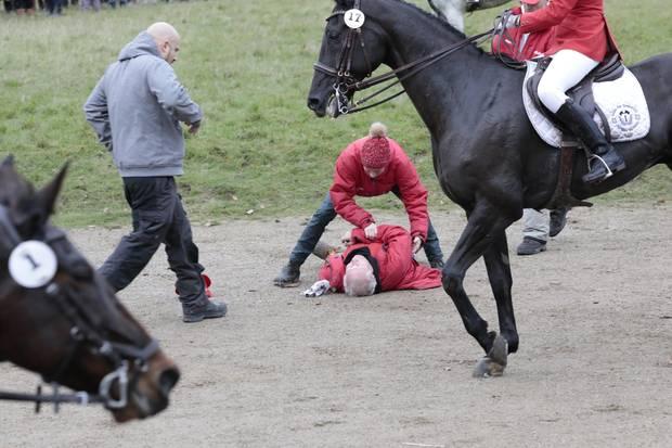 Bei der Hubertusjagd auf Schloss Eremitage im Hirschpark Dyrehaven stürzte ein Reiter