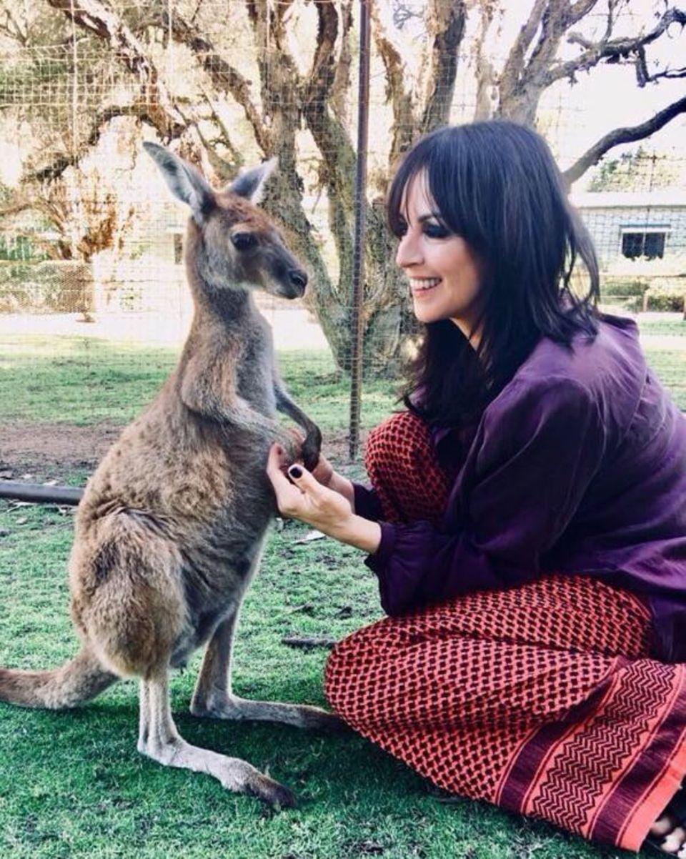 Sängerin Nena hat es sich nicht nehmen lassen während ihres Australientrips dieses kleine Sprungwunder kennenzulernen.