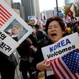 7. November 2017   In der Hauptstadt Seoul versammeln sich Unterstützer von Präsident Donald Trump.