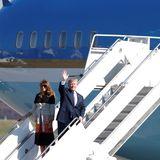 5. November 2017  Ankunft zum Staatsbesuch in Japan: In der Nähe von Tokio, in der US-amerikanischen Basis in Fussa, kommen Präsident Trump und die First Lady aus dem Flieger.